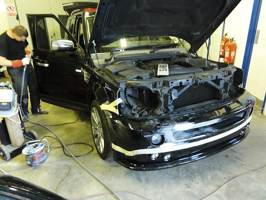 Range-Rover-body-work-3