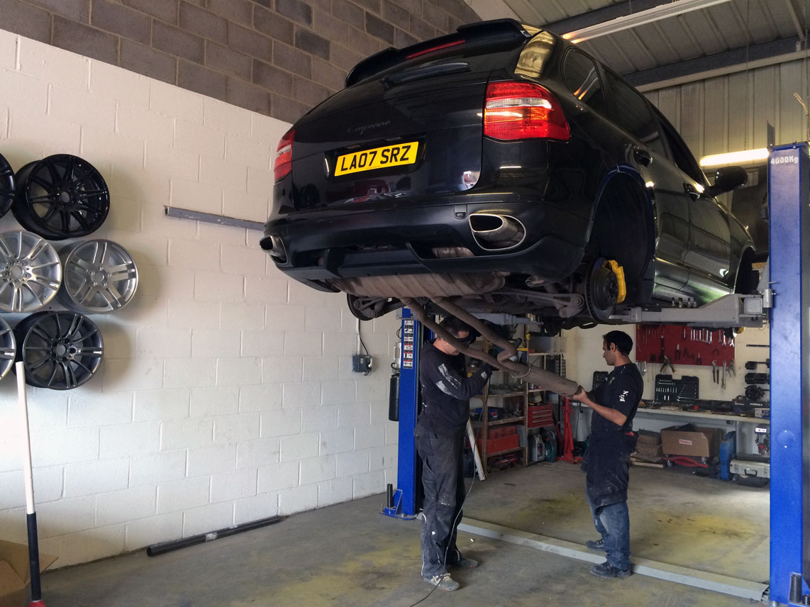custom-exhaust-fitting-in-london