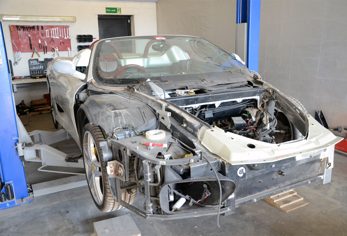 ferrari-accident-repairs-in-london-at-rt-performance
