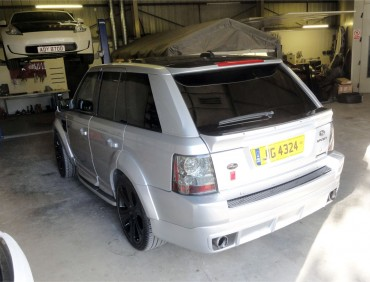 rear bumper range rover installation at rt performance in london